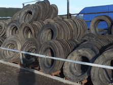 RWN lorry tye sidewalls are easily stacked using a fore end loader, pallet forks or bale spikes. They can be stored neatly, clean and ready for use on the silage pit